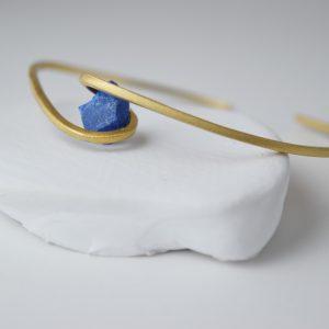 Gold Plated Twist Unpolished Lapis Lazuli Bracelet