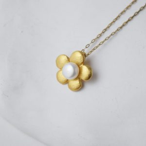 Sterling Silver Freshwater Pearl Flower Gold Plated Necklace