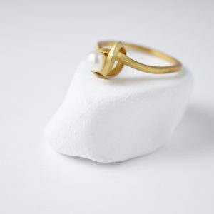 Sterling Silver Freshwater Pearl Knot Gold Plated Ring