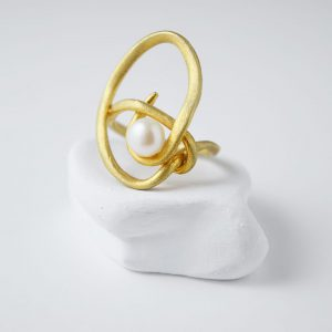Sterling Silver Oval Spiral Freshwater Pearl Matte Gold Plated Ring